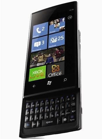 Dell ще обзаведе служителите си с Windows Phone 7 телефони, собствено производство