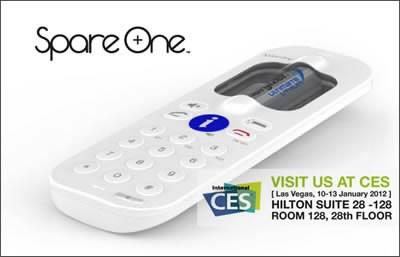 SpareOne показа мобилен телефон, захранван от AA батерия на CES 2012
