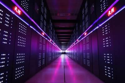 Китайският суперкомпютър Tianhe-2 е близо два пъти по-бърз от следващия го американски Titan