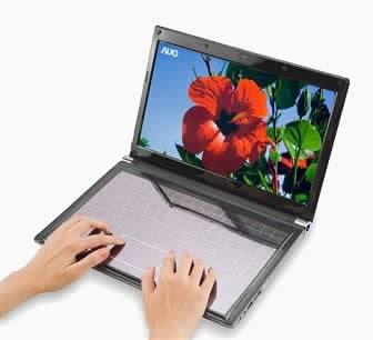 Клавиатура за лаптоп и слънчева батерия в едно от AUO