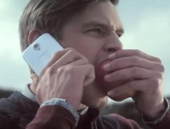 Samsung с нинджи, овен и здрави зъби срещу Apple