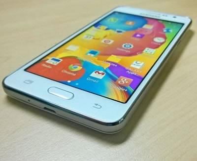 Смартфонът Samsung Galaxy Grand Prime - перфектен бюджетен избор за селфи любители с 5 MP фронтална камера