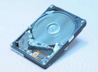 Масовото производство на хибридни HDD Seagate - след не по-рано от 6 месеца!