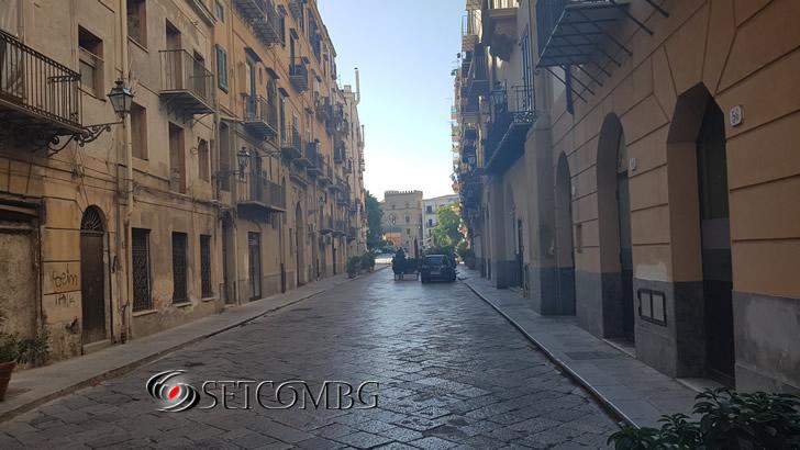 типична улица в Палермо