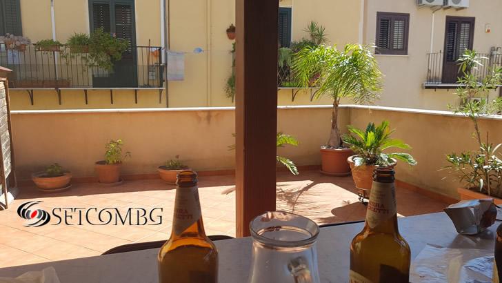 Терасата на апартамента ни в Палермо